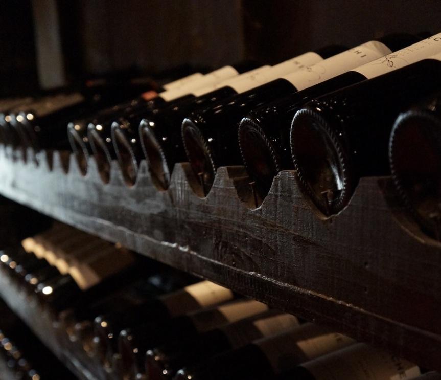 bouteilles dans cave